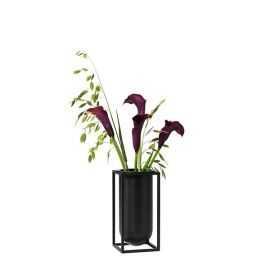 AW18 / Kubus vase Lily, black